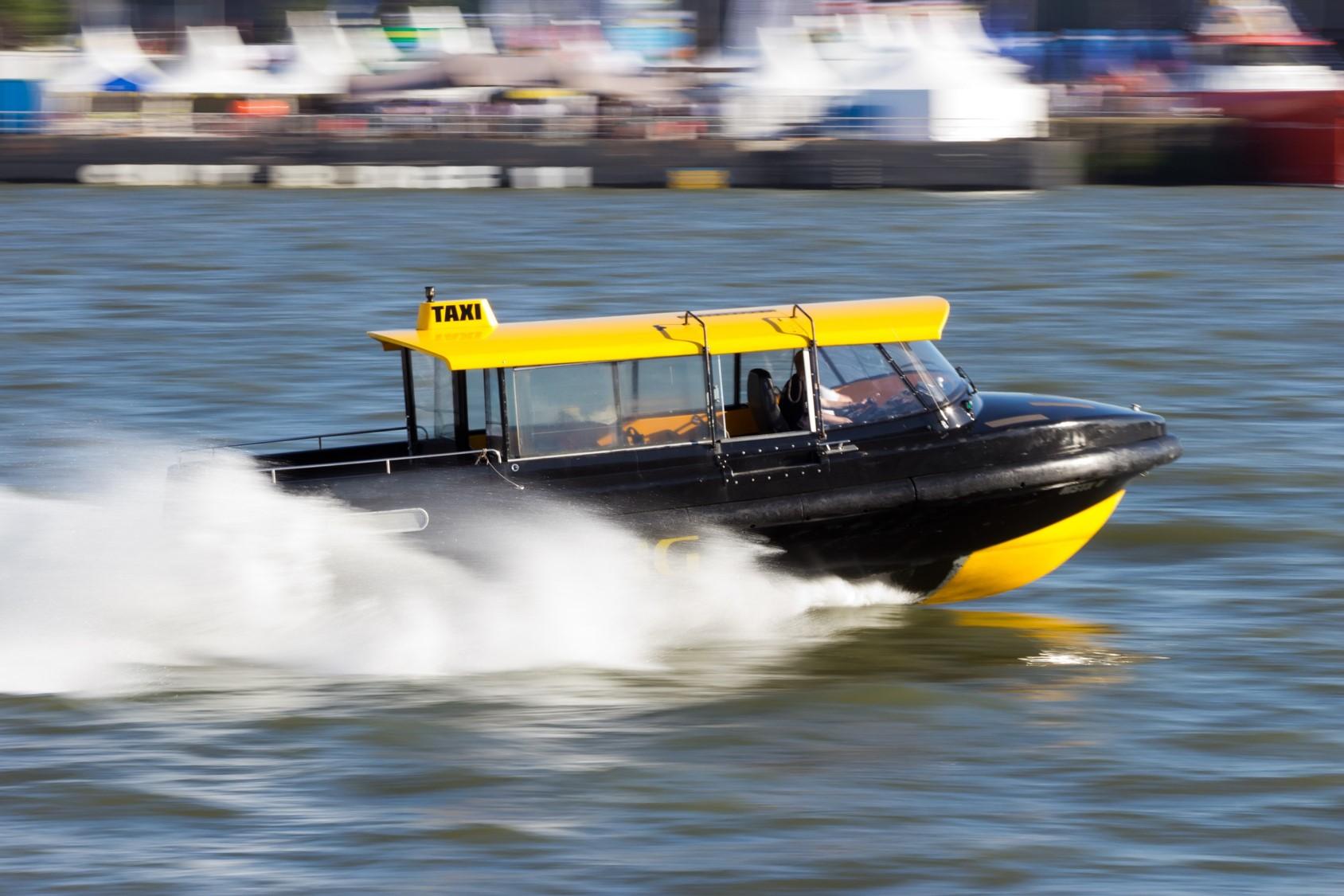 Watertaxi Mobil SHC 629