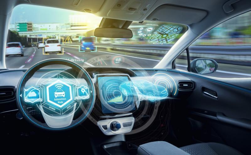 Intelligente auto achter het stuur